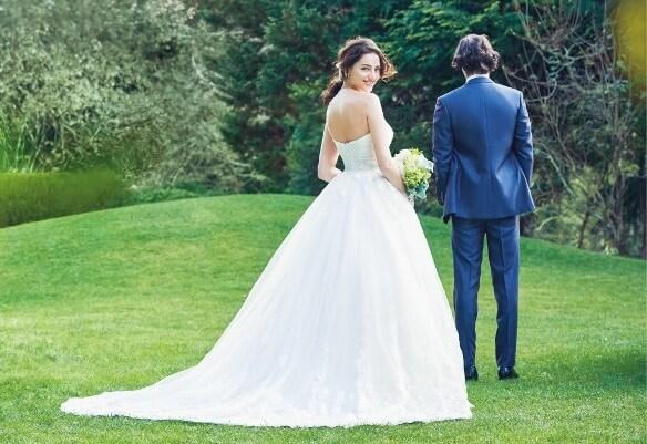結婚式当日にもう一度恋をする!『ファーストミート』は二人の愛が高まる感動の瞬間