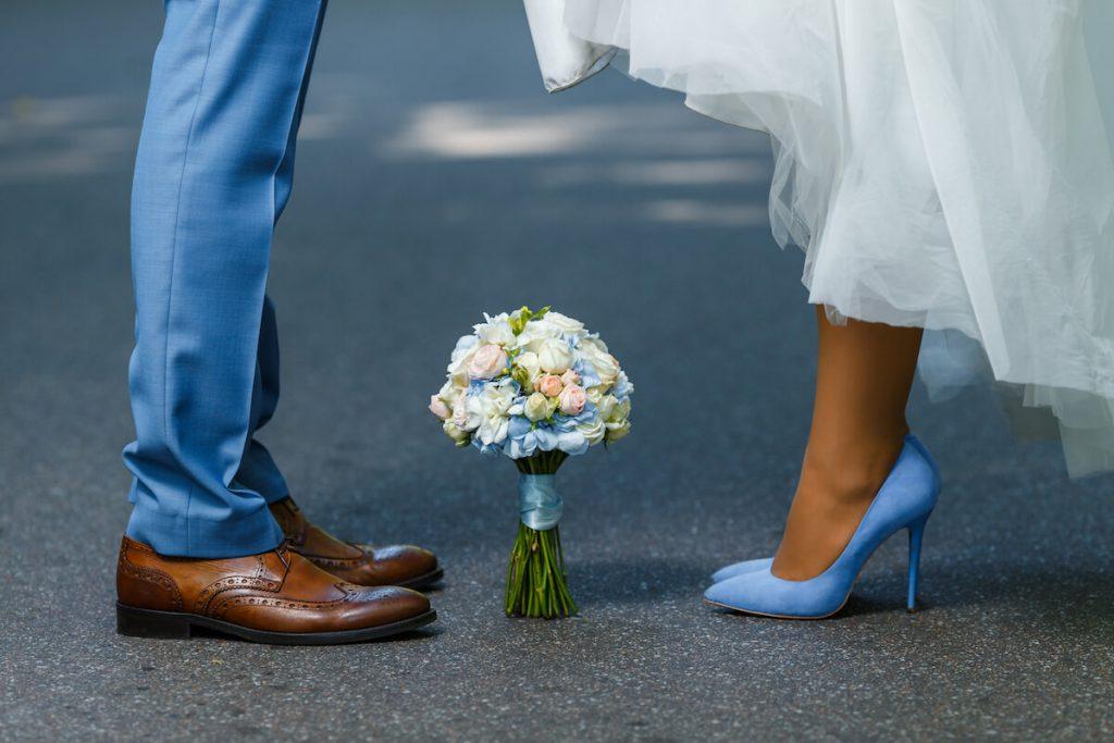 花嫁の幸せを願うサムシングフォーのおまじないを結婚式に取り入れよう!